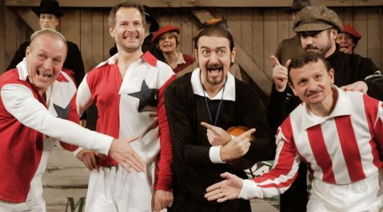 Mladoboleslavské divadlo zahajuje sezónu. Uvidíte například Muže v offsidu. Foto: MDMB